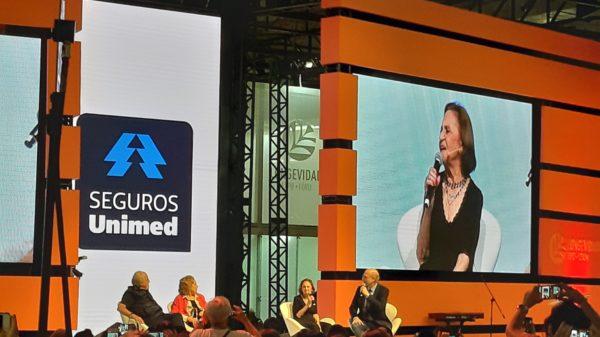 Ary Fontoura, Eva Wilma, Laura Cardoso e Odilon Wagner na Longevidade Expo
