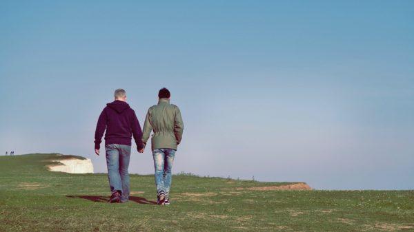 Envelhecimento e Velhice LGBT Imagem de StockSnap por Pixabay