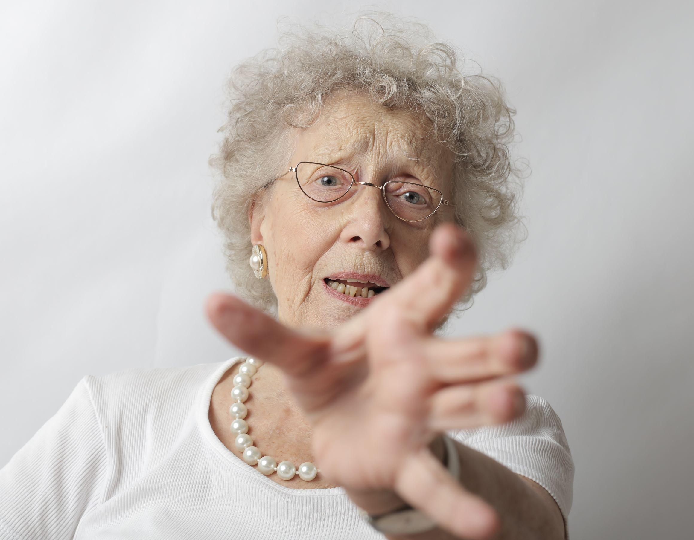 Mulheres idosas estão entre as principais vítimas de violência